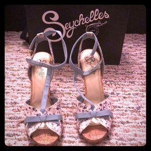 Seychelles size 10 sandals